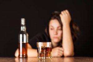 Jak psychiatra rozpoznaje alkoholizm